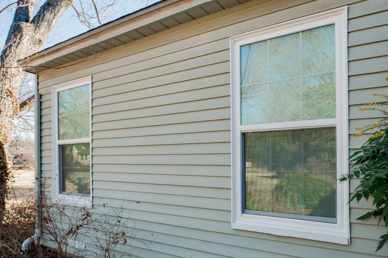 brennan-traditions-two-single-hung-windows
