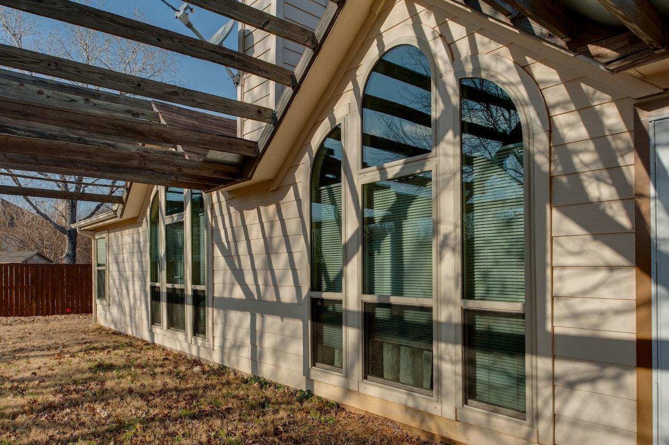 brennan-traditions-18-window-specialty-window