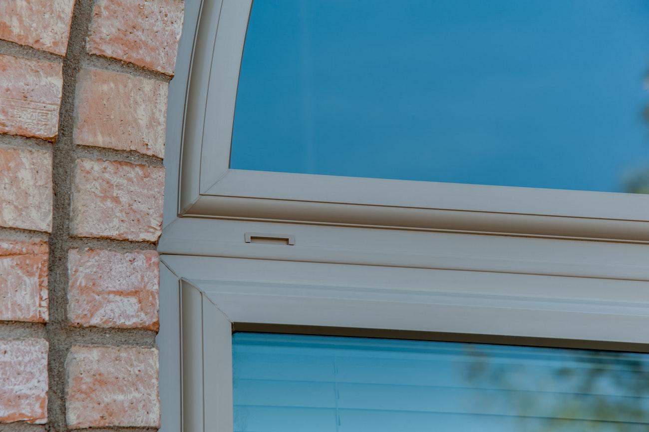 brennan-traditons-specialty-window-corner