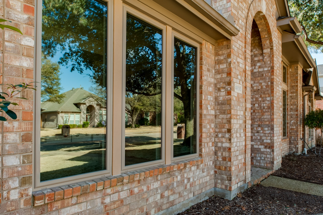 brennan-traditions-picture-3-windows-front-view