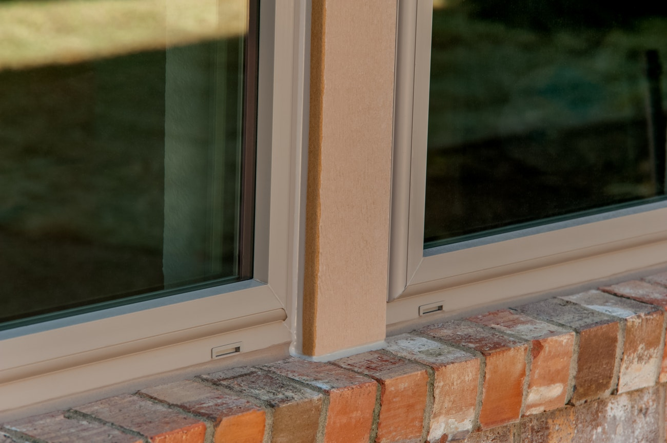brennan-traditions-window-with-single-hung-close-up