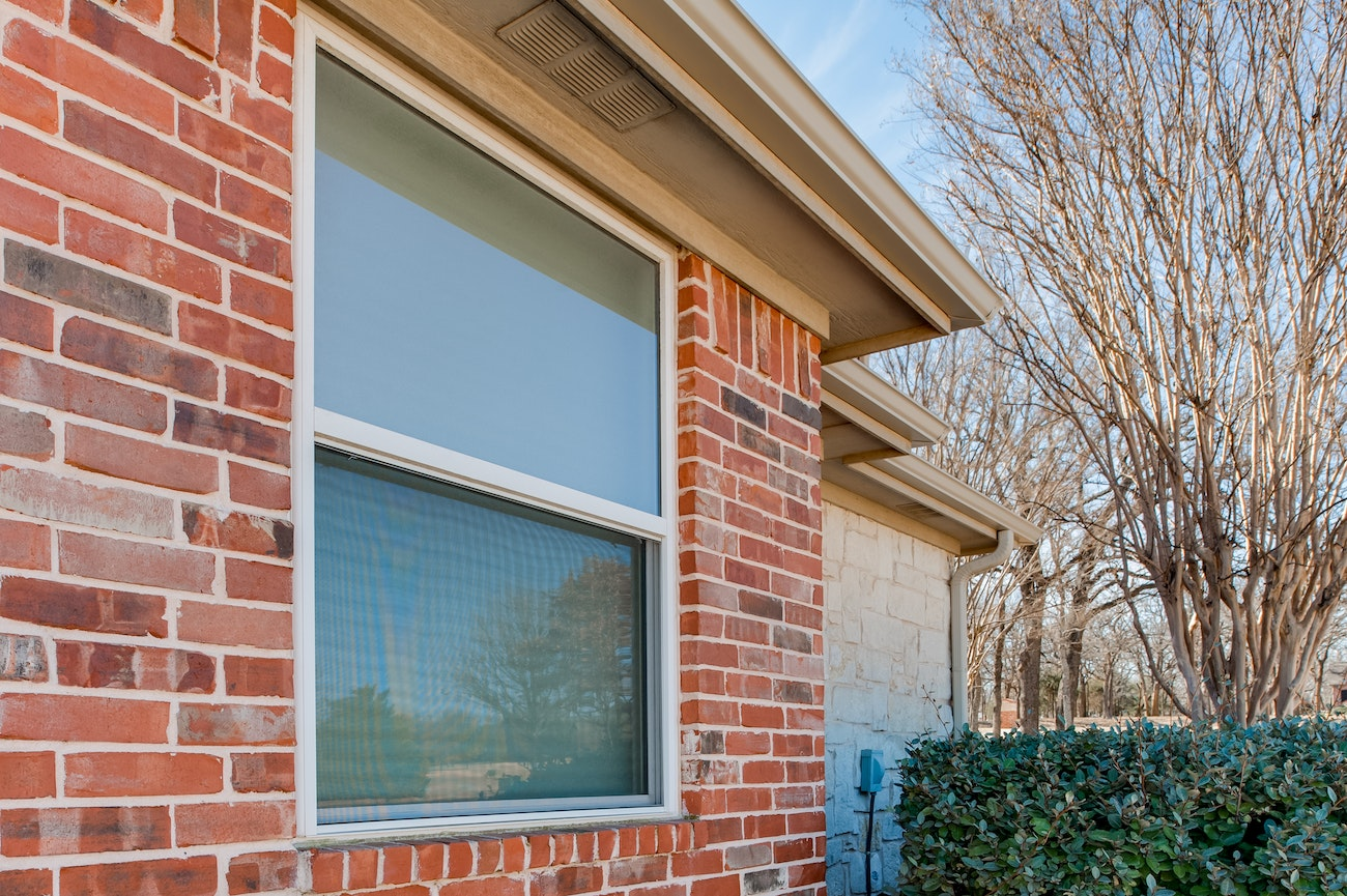 brennan-traditions-windows-on-side-of-house