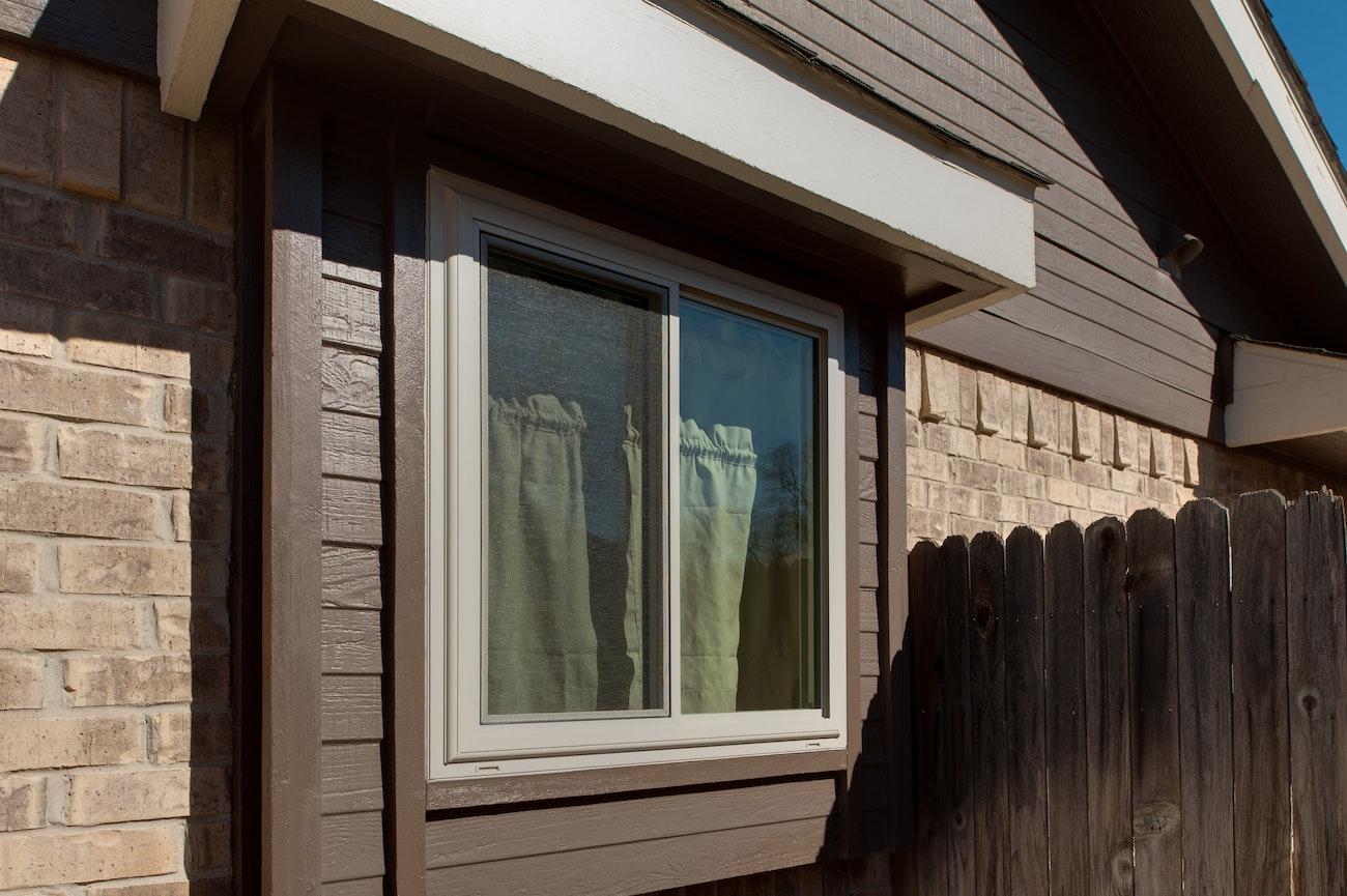 brennan-traditions-slider-window