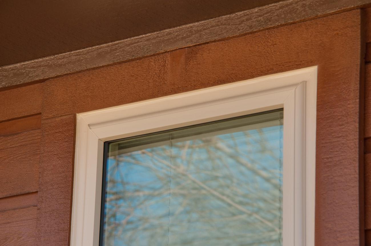 brennan-traditions-top-of-slim-single-hung-window