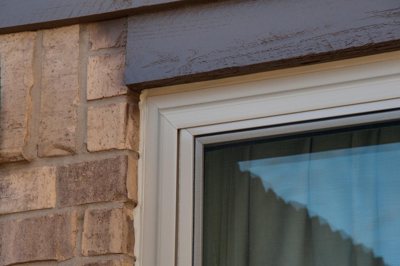 brennan-traditions-windows-sliding-corner